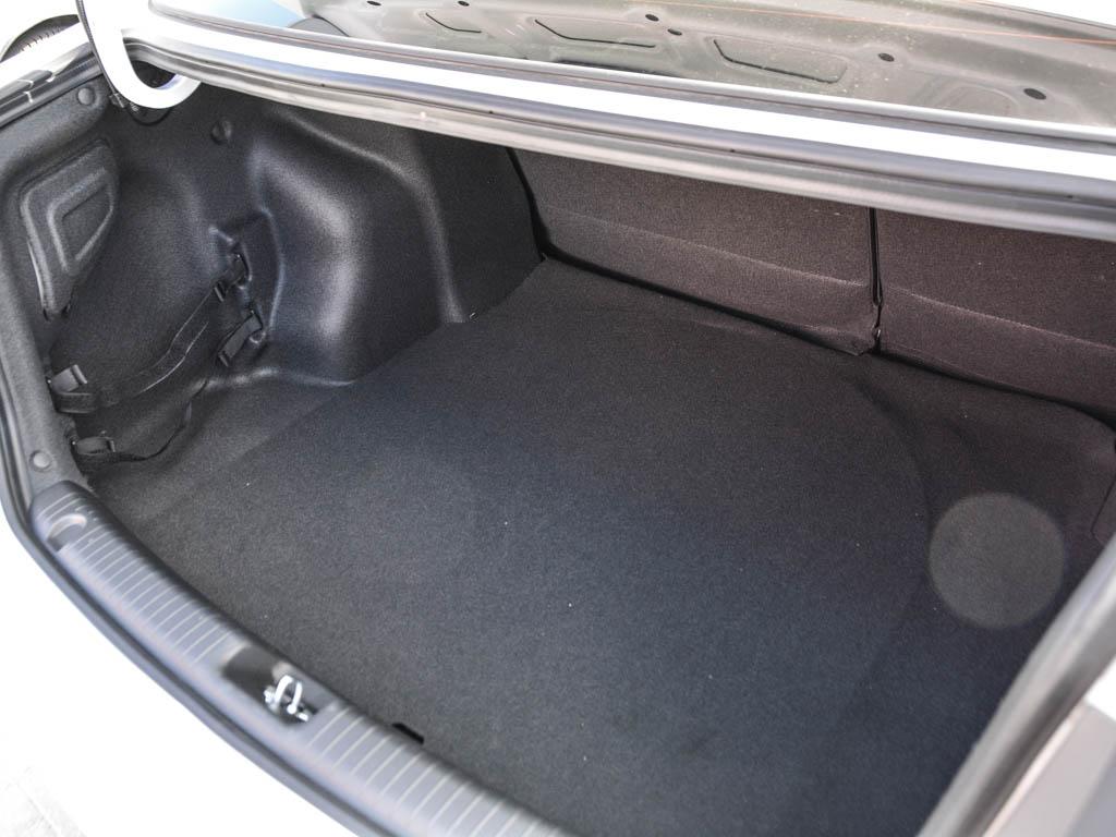сколько литров в багажнике киа рио седан