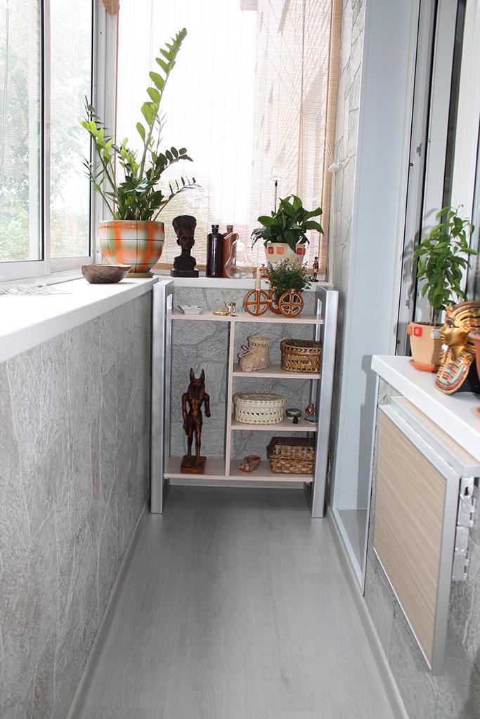 Шкафчики в хрущевском балконе..