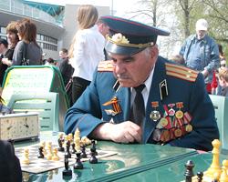 Леонид дерендяев гордится тем, что он курсант казанского высшего военного командного училища (кввку)