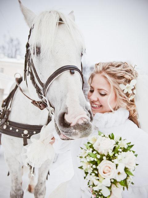 Белое платье к белому снегу